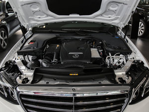 2017款E 300L 豪华型 发动机