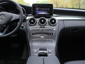2017款改款 C 200 L 运动型 中控台