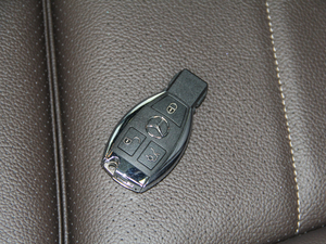 2018款GLC 260 4MATIC 动感型 钥匙
