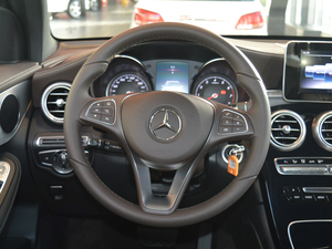 2018款GLC 200 4MATIC 方向盘