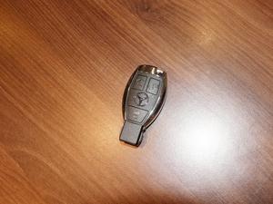 2018款GLC 300 4MATIC 动感型 钥匙