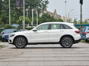 2018款改款 GLC 200 4MATIC 纯侧