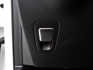 2018款改款 GLC 260 4MATIC 动感型 驻车制动器