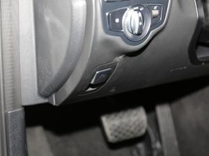 2018款C 200  L 4MATIC 运动版 驻车制动器