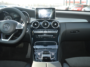2018款C 200 运动版 中控台