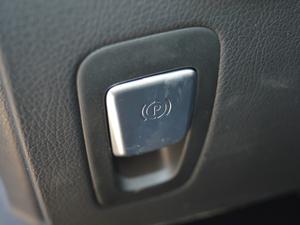2018款C 200 运动版 驻车制动器