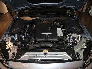 2018款C 200 运动版 4MATIC 发动机