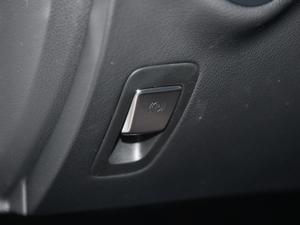 2018款C 200 L 运动型 成就特别版 驻车制动器