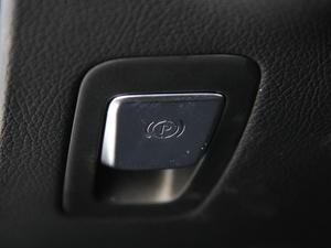 2018款C 200 成就特别版 驻车制动器