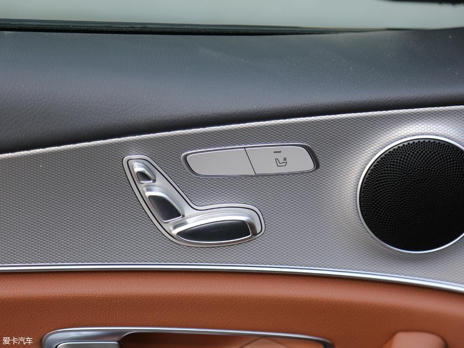 2018款奔驰E级 座椅调节