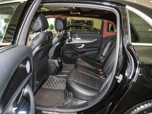 2018款E 300L 运动豪华型 后排空间