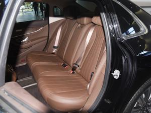 2018款E 320L 4MATIC 后排座椅