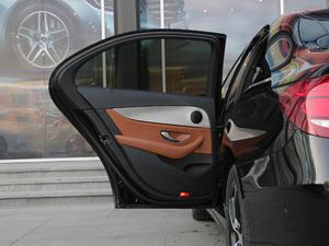 2018款E 200 运动版 后车门