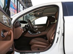 2018款E 300L 豪华型 前排空间