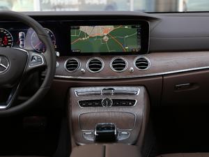 2018款E 300L 豪华型 中控台