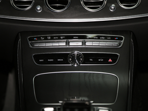 2018款改款 E 200 L 运动型 音响调节
