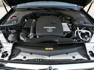 2018款改款 E 300 L 豪华型 发动机