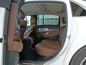 2018款改款 E 300 L 运动豪华型 后排空间
