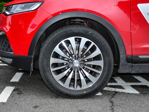 2018款定制版 1.8T DCT尊贵型 轮胎