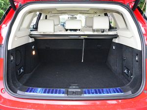 2018款定制版 1.8T DCT尊贵型 行李厢空间