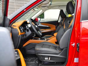2018款1.5L CVT尊贵型 前排空间