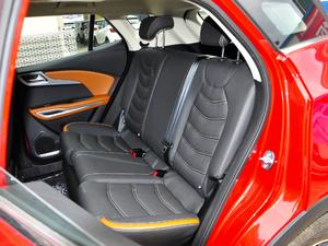 2018款1.5L CVT尊贵型 后排座椅