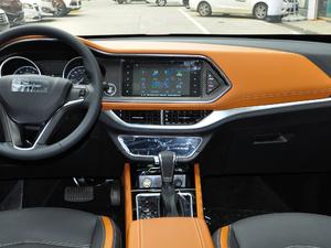 2018款1.5L CVT尊贵型 中控台