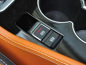 2018款1.5L CVT尊贵型 驻车制动器