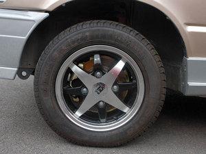 2011款0.8L 手动尊贵版 轮胎