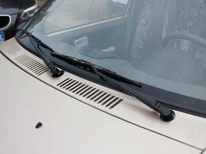2011款0.8L 手动尊贵版 雨刷