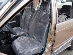 2011款0.8L 手动尊贵版 前排座椅