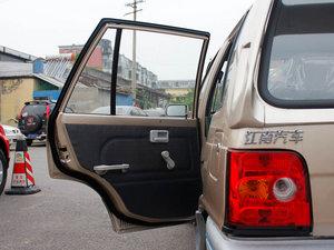 2011款0.8L 手动尊贵版 空间座椅