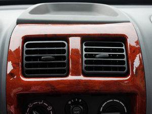 2011款0.8L 手动尊贵版 空调出风口