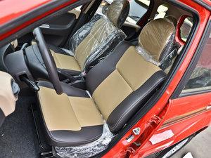 2013款1.3L 手动都市版 前排座椅