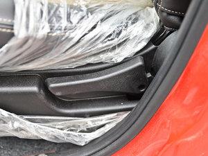 2013款1.3L 手动都市版 座椅调节