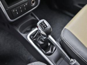2013款1.3L 手动都市版 变速挡杆