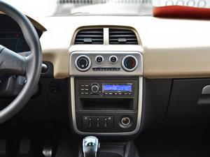 2013款1.3L 手动都市版 中控台