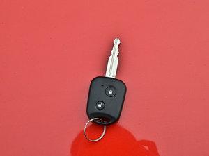 2013款1.3L 手动都市版 钥匙