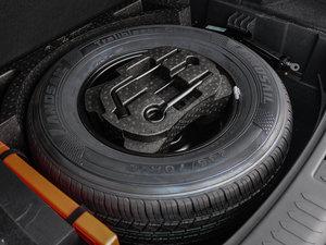2016款运动版 2.0T 自动豪华型 备胎
