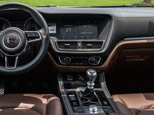 2016款运动版 1.5T 手动豪华型 中控台