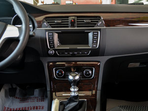 2016款1.5T 手动精英型 中控台