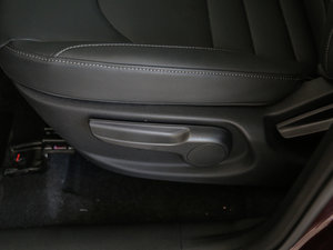 2018款1.5T 手动豪华贺岁版 座椅调节