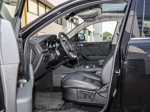2018款运动版 1.5T 手动豪华型 前排空间