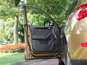 2017款运动版 1.8 DCT尊贵型 驾驶位车门