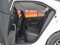 空间座椅众泰Z360后排空间