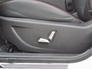 2017款1.5L 手动尊贵型 座椅调节