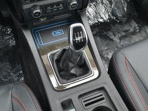 2017款1.5L 手动尊贵型 变速挡杆