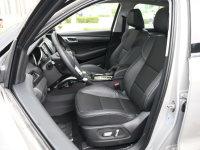 空间座椅众泰SR7前排座椅