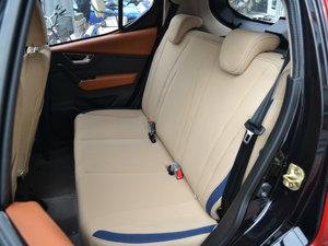 2017款Plus 豪华型 后排座椅