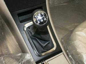 2010款1.5L 手动精英型 变速挡杆